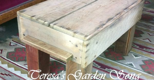 Easy DIY Project Make A Coffee Table From Pallet Fence