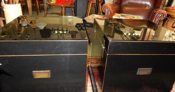 Nog 1 goed onderhouden chinese kist. De kist is voorzien van zwarte ...