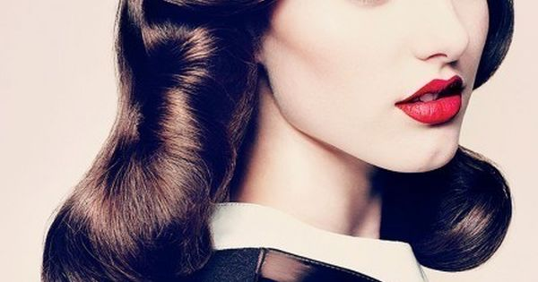 Beautiful vintage hair, makeup and clothes
