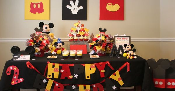 Mickey Mouse Party � more mickey than clubhouse but the hotdog machine