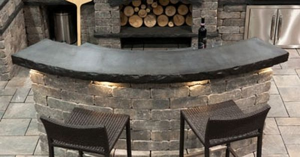 Outdoor pizza oven and backyard patio