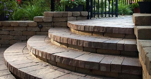 Best Semi Circular Steps Create A Grand Entrance To Any Outdoor 640 x 480