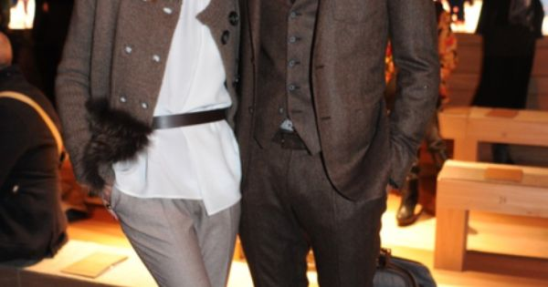 Olivia Palermo & Johannes Huebl (Brown suit + Checker shirt)
