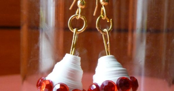 Quilling Jhumka - White Jhumka with Red kundan stones and bead Quilling Earrings Pinterest ...