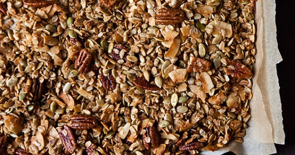 HANDS DOWN best granola I've ever made! Nekisia Davis' Olive Oil and