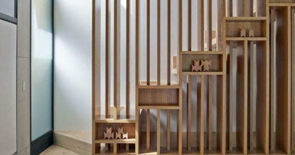 Einfamilienhaus bauen Interieur Holz Treppe Geländer ...