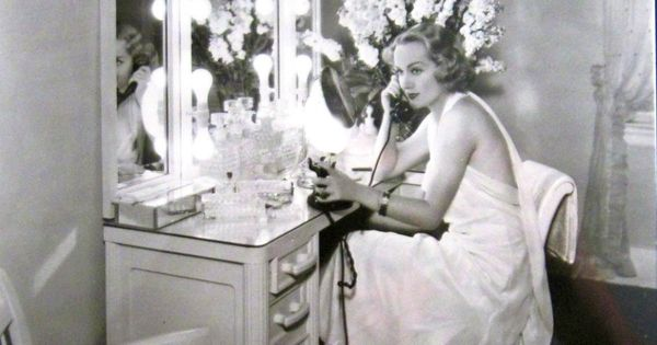 Carole Lombard In Her Dressing Room Famous People