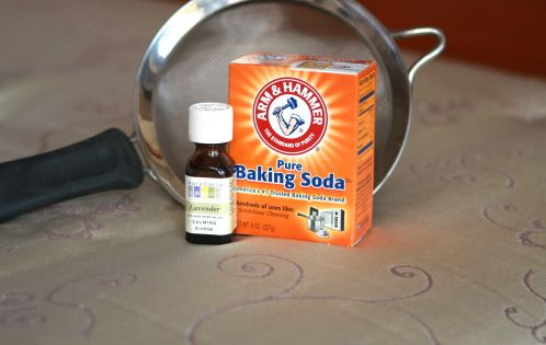 MATTRESS CLEANER: pour about 1 cup of baking soda into a mason