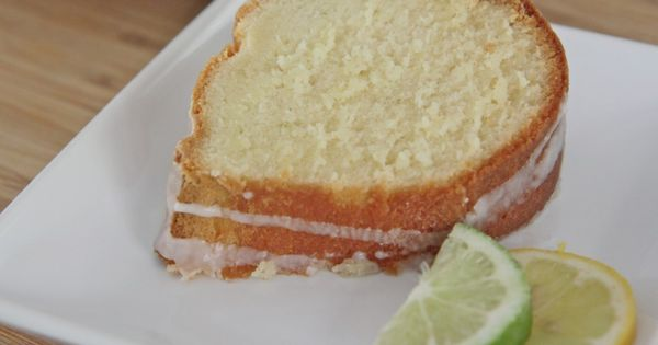 Old Fashioned 7-Up Pound Cake Recipe | Divas Can Cook ...