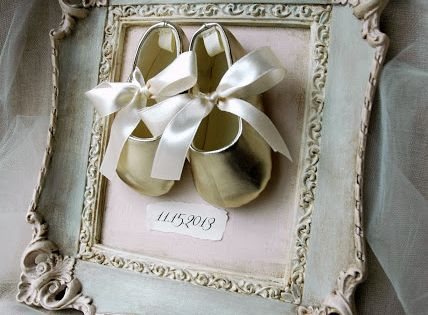 One Girl In Pink: Repurpose vintage frame - Nursery Décor, Baby Keepsake,