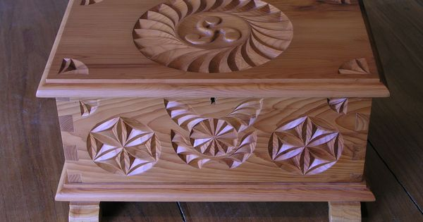 Kit maderas tallar kit de arca en madera de casta o para for Madera de castano