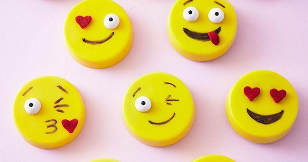 How To Make Easy Oreo Emojis Cute Food Pinterest