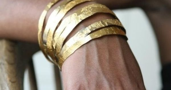 Style Inspiration: Gold Bracelet and Ring Accessories.