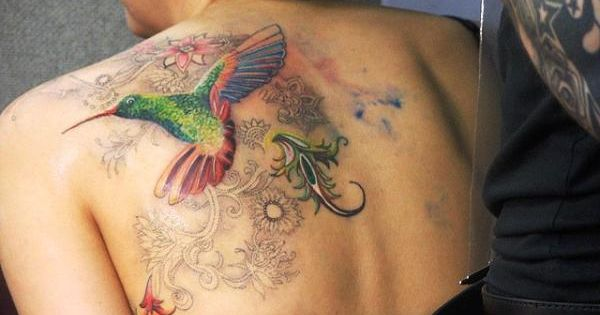 Hummingbird with beautiful accents. #breastcancer # ...
