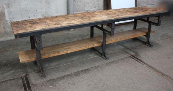 Nikka Lift Top Coffee Table 304 cm lange werktafel met oud stalen machine onderstel en dikke oud ...