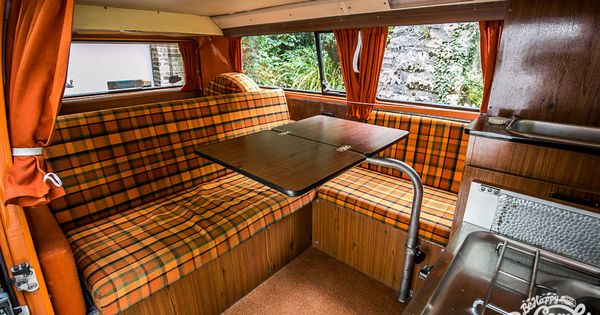 a l int rieur de notre combi westfalia 1975 volkswagen vw camper and vw bus. Black Bedroom Furniture Sets. Home Design Ideas
