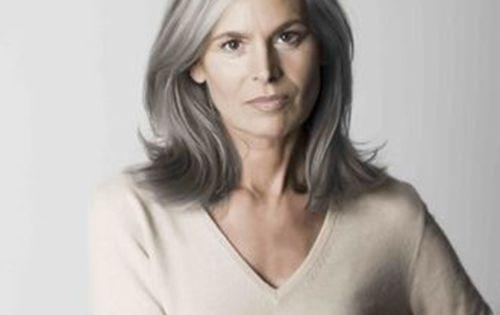 15 Elegant Hairstyles For Older Women