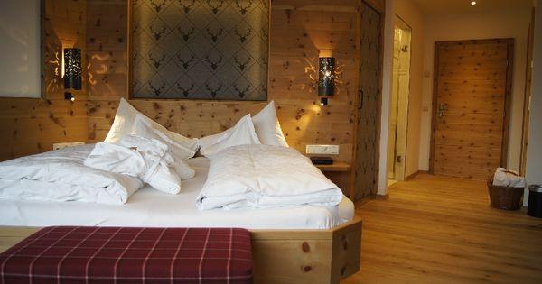 zimmer zirbe im modernen alpinen stil mit tollem geruch nach zirbenholz impressionen romantik. Black Bedroom Furniture Sets. Home Design Ideas