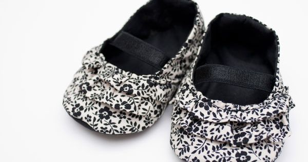 fleetingthing: baby gifts DIY baby shoes!!