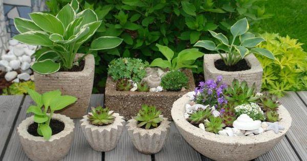 pflanztr ge einfach selbstgemacht aus einer zementmischung pflanzenk bel oder und form. Black Bedroom Furniture Sets. Home Design Ideas
