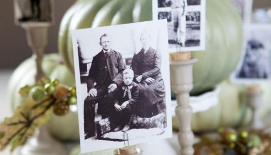 DIY- Photo holder~ great holiday or wedding idea~ put a cork in