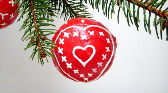 Les boules de Noël en papier mâché   Fabriquer boule de noel