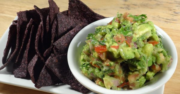Fresh avocado, Things to make and Salsa on Pinterest