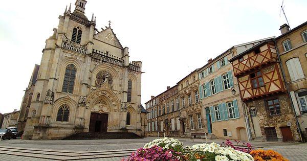 Eglise saint etienne et place st pierre de bar le duc - Mobilier jardin d ulysse saint etienne ...