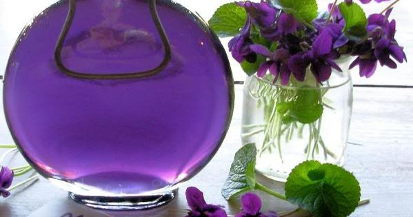 .Lovely purple vignette purple flowers styling