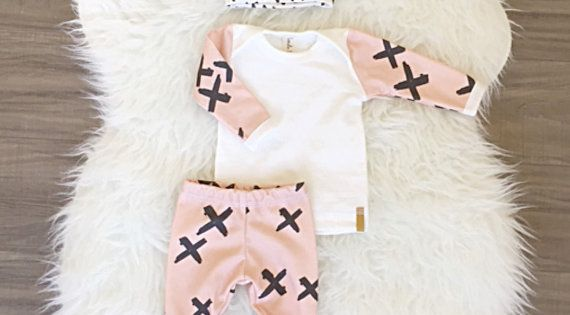Baby girl coming home outfit! Baby shower gift ideas girl / take