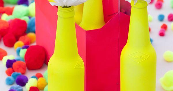 des petites bouteilles une bombe de peinture et des vases pour le printemps pinterest. Black Bedroom Furniture Sets. Home Design Ideas