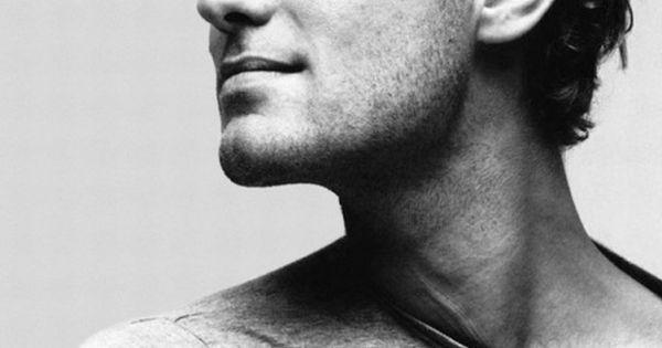 Jude_Law - born 29/12/72 in England. Actor. Films: Sherlock Holmes (2009), Sherlock