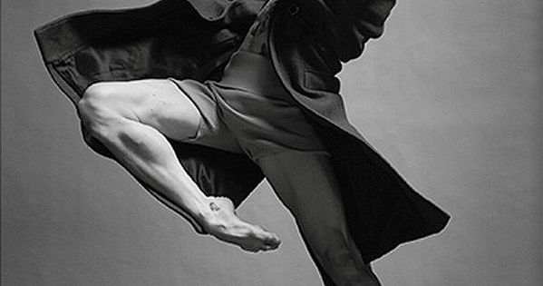 figure drawing pose reference - fabric in motion