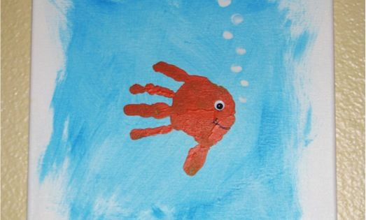 Kid Craft - Hand print fish @Lindy Murphy