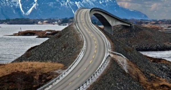 Norway's winding 'drunk bridge' The Bridge To Nowhere: 'The Atlantic Road' Storseisundet