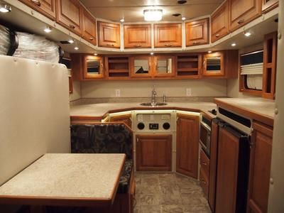 Legacy sleepers ari american reliance industries co homes on the move pinterest semi for Volvo semi truck interior accessories