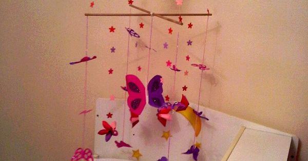 Mobile papillon en papier et fleurs origami id ale pour b b origami mobil - Temperature ideale pour chambre bebe ...
