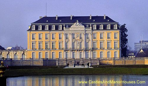 Photographs Of Castles And Manor Houses Around The World Beautiful Castles Germany Castles World Heritage Sites