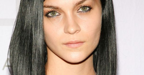 Ly Hairstyles: Black Hair Color