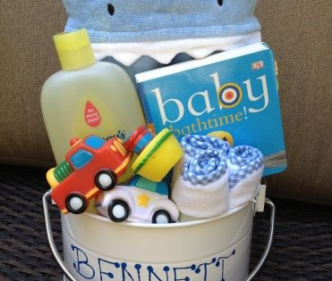 Baby shower gifts diy baby bath bucket ikea sells for Ikea baby bathtub