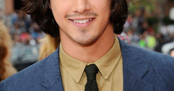 Canadian-American Actor from abc family show Twisted. Avan Jogia