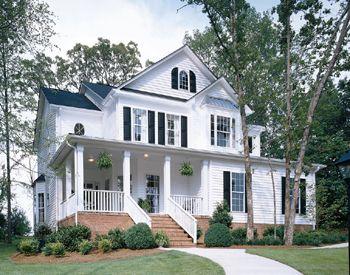 Cute Country Home I Love The Porch Vinyl Siding Home Improvement Companies White Vinyl Siding
