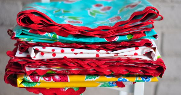Vintage Inspired Oilcloth Tablecloths For The Picnic Table