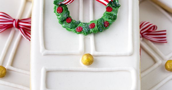 These are beautiful~ White door with Christmas wreath cookies