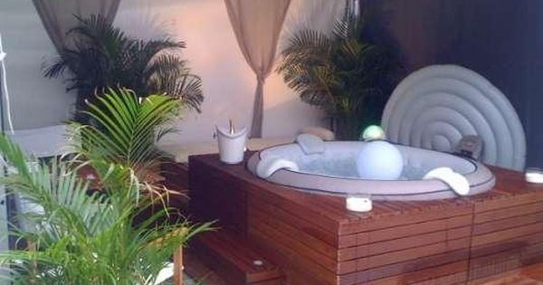Spa jacuzzi habillage bois piscine entretien j for Annonce entretien jardin