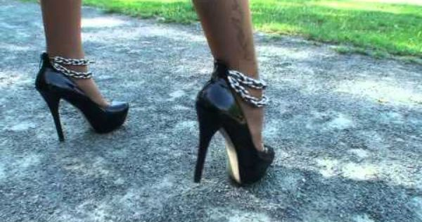 TAMIA CRUSHES 2 CIGARETTES IN A PARK IN NICE HIGH HEELS ...