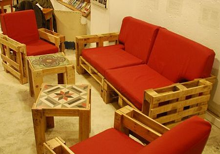 Living room furniture made of recycled pallets pallet for Reciclado de sillones