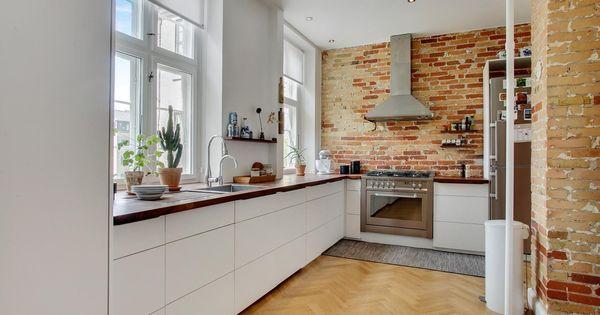 Ejerlejlighed Til Salg Frederiksberg C Lejligheden Er Beliggende Pa 3 Sal I En Flot Ejendom Fra 1910 By In 2020 Modern Kitchen Design Kitchen Design Modern Kitchen