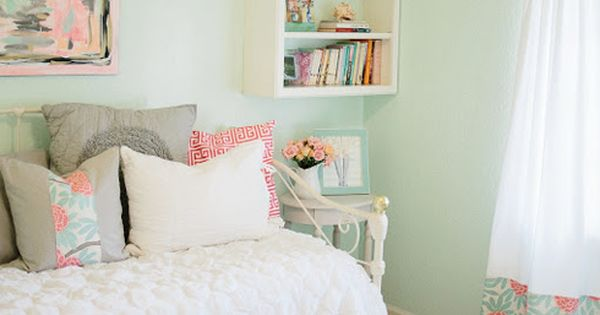 Kids room or guest room. Mint Bedroom Inspiration. I like the idea