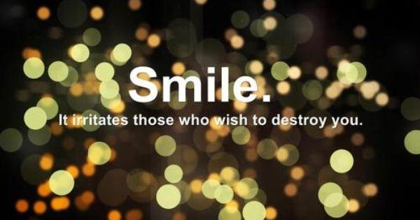 A Smile That Explodes Lyrics